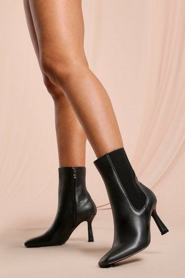 Black Pointed Mid Heel Ankle Boot