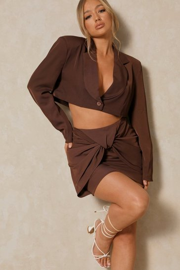 Chocolate Tia Extreme Shoulder Pad Crop Blazer