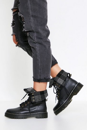 Black Check Lined Ankle Boot