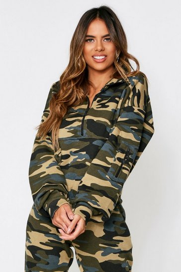 Womens  camo 1/2 zip sweat