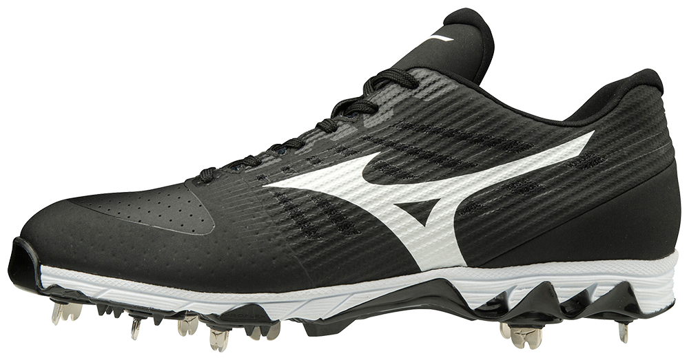 mizuno mid baseball cleats