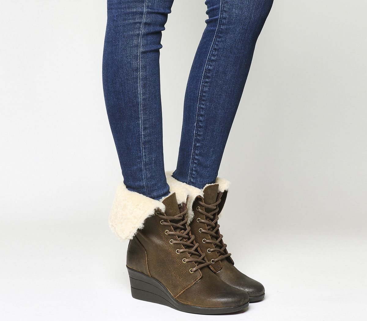 d0f8ae9122e Zea Shearling Wedge Lace Up boots