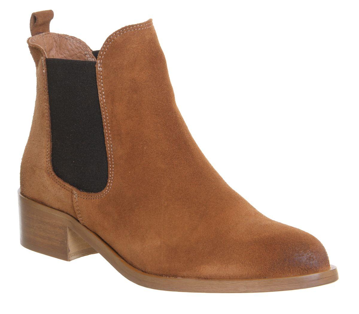 bdcad90e713 Corsa Pointed Low Block Heel Boots