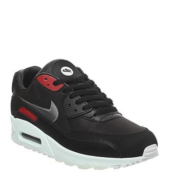 Nike Sneakers   OFFSPRING
