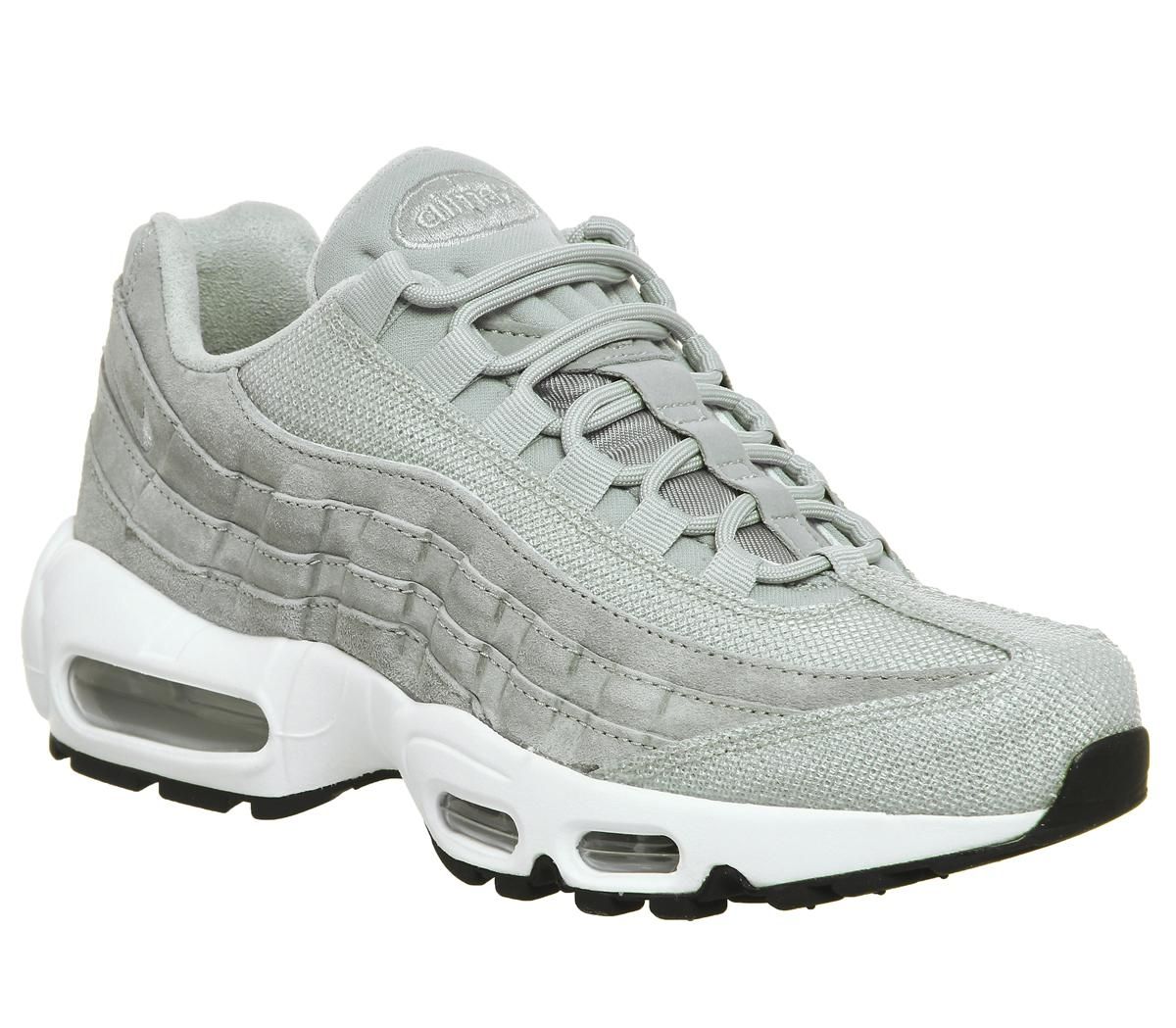 Save Up To 60% Perfect Basic Nike Air Max 95 Essential Shoes