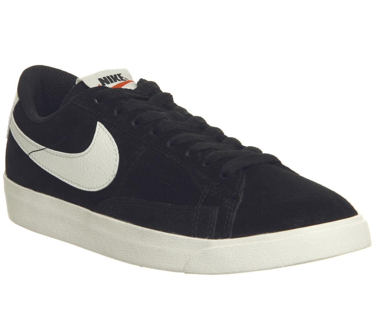 brand new c2384 9e3ff Nike Blazer Low Trainers Black White F - Hers trainers