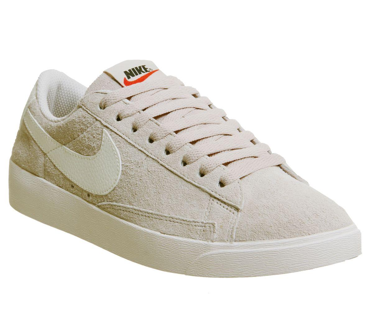 75a8e5efaf1a Nike Blazer Low Trainers Desert Sand Sail F - Hers trainers