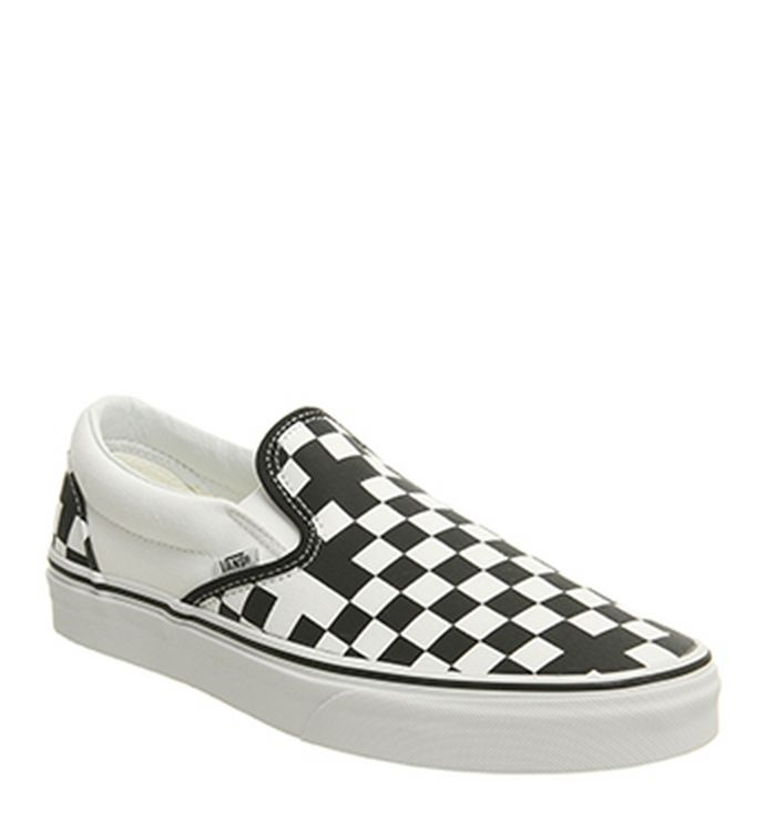 a3e071ca61 06-08-2018 · Vans Vans Classic Slip On Trainers Geometric Black True White