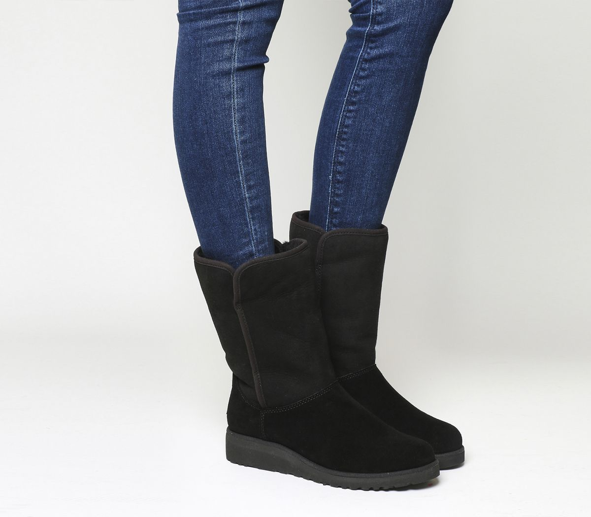 8a560e4fbf4c9 UGG Classic Amie Slim Short Black Suede - Ankle Boots