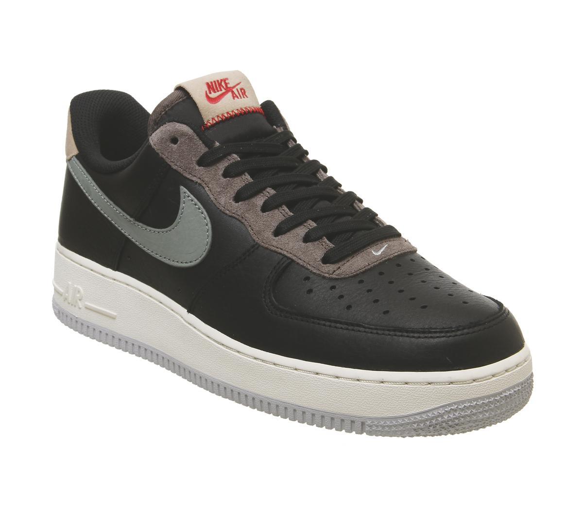 Nike Air Force 1 07 Trainers Black Mica