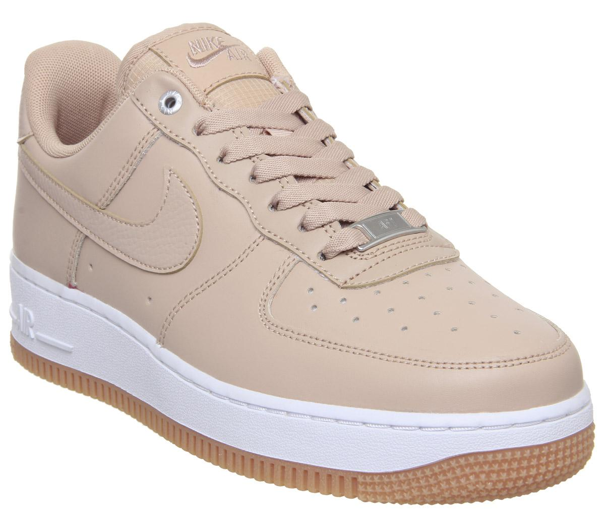 Actualizar desesperación noche  Nike Air Force 1 07 Trainers Bio Beige Metallic Silver Gum Med Brown White  - Hers trainers