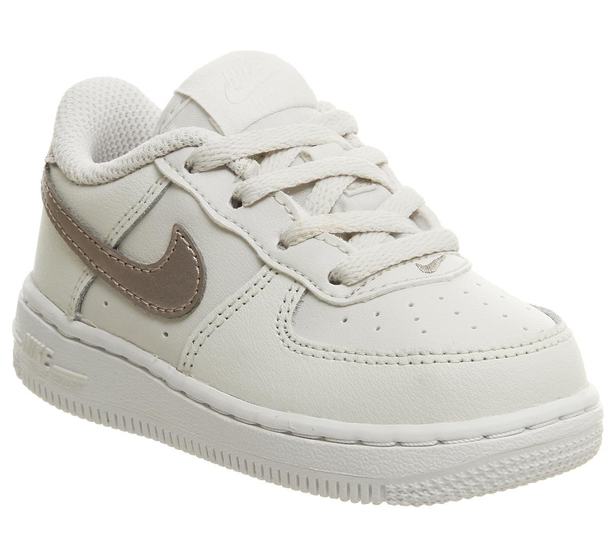 Plus Récent Sports Unisexes Nike Air Force 1 Infant