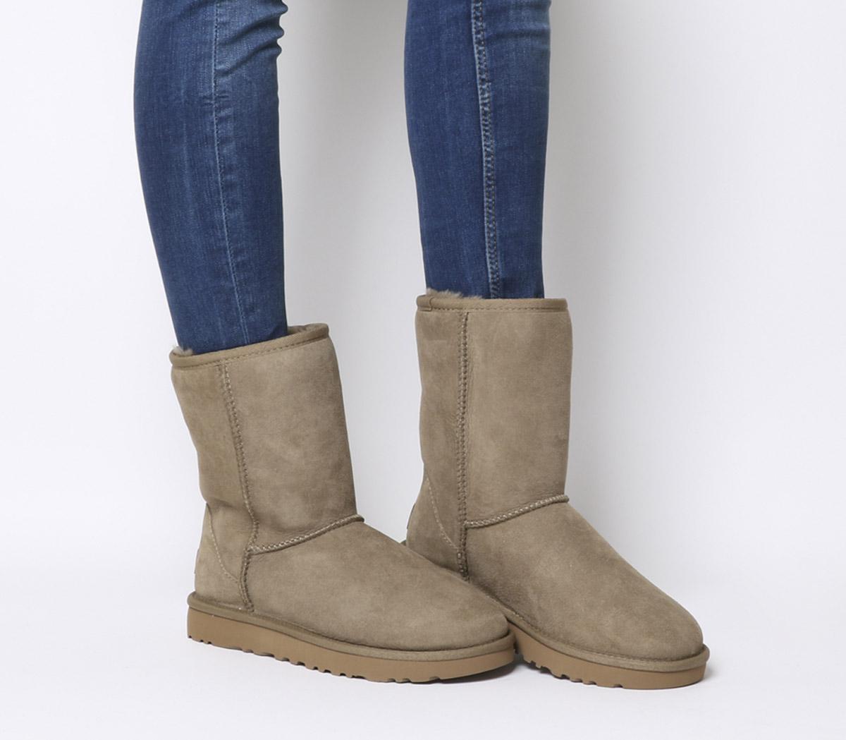 Women's UGG Classic Short II Sheepskin Boots in Antilope