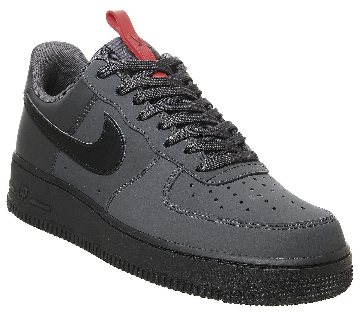 Nike Air Force 1 07 Trainers Anthracite Black Uni Red Black