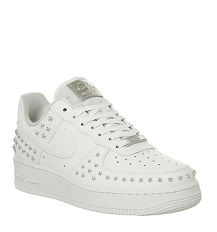 d99f67da27 Launching 23-11-2018 · Nike Air Force 1 07 Trainers White Star Stud