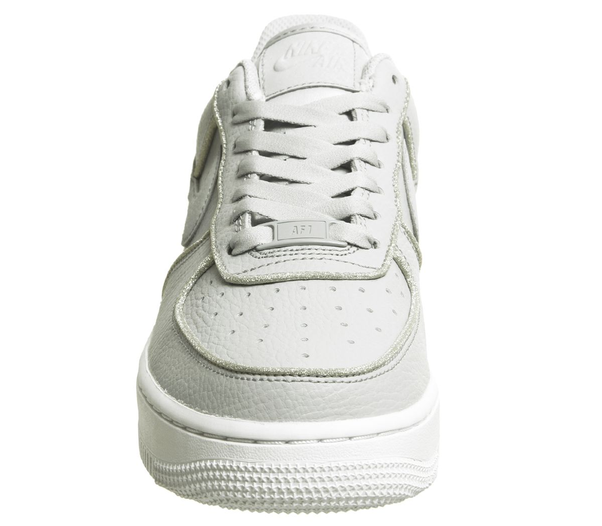 sports shoes bec3a fb835 Air Force 1 07 Trainers
