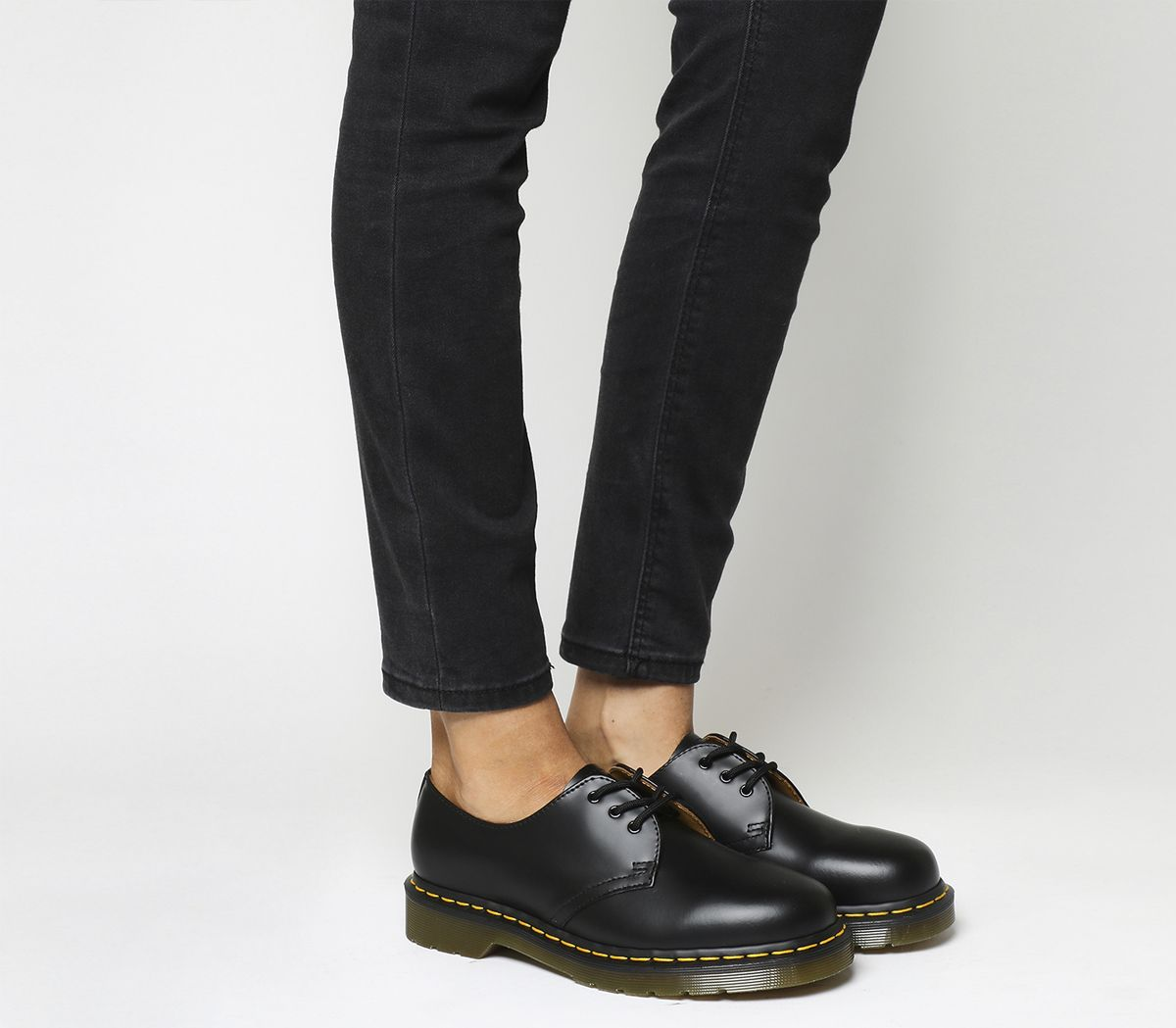 7648c63204b Dr. Martens 3 Eyelet Shoes Black - Flats