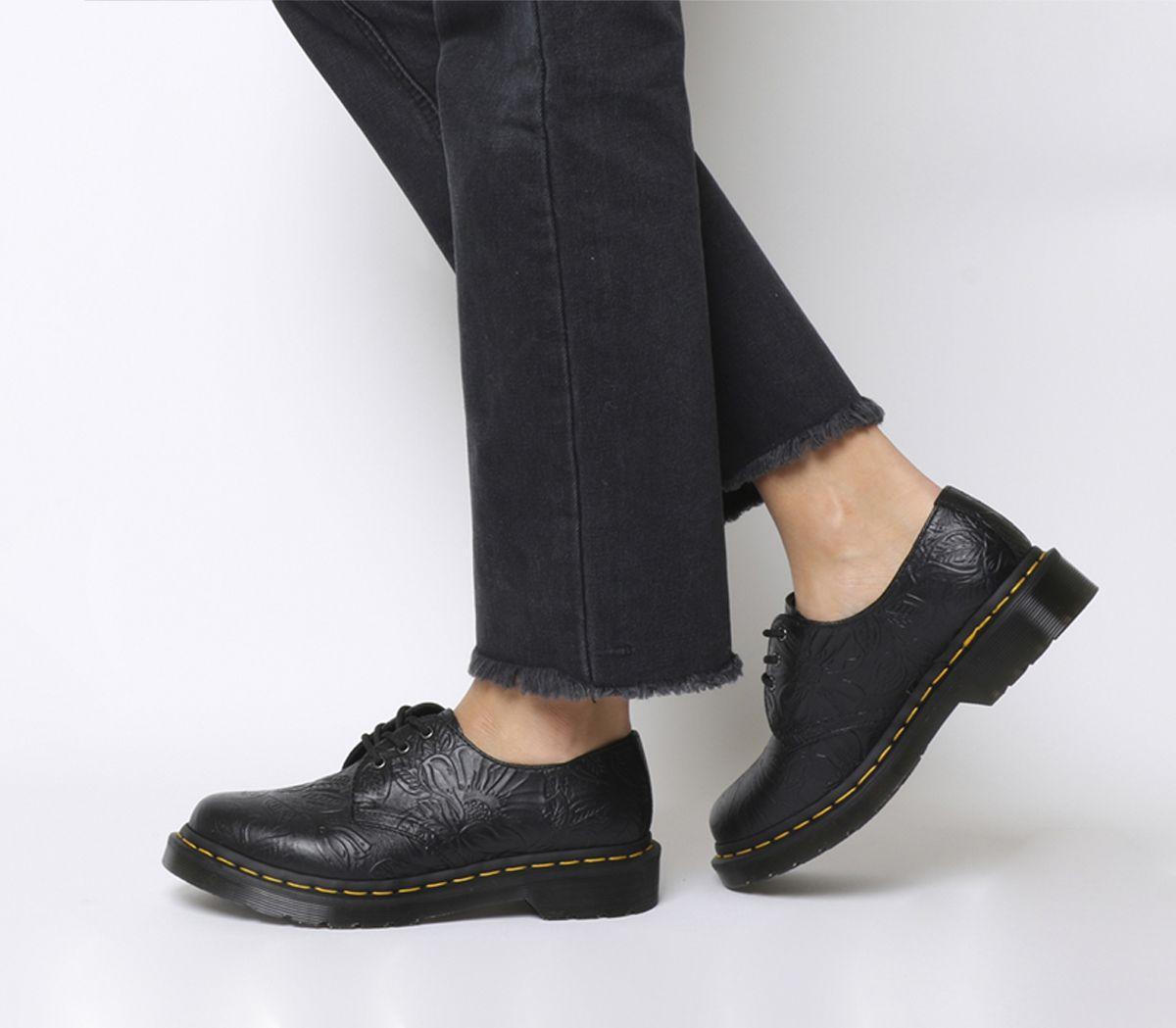 a09f5bd8532 3 Eyelet Shoes