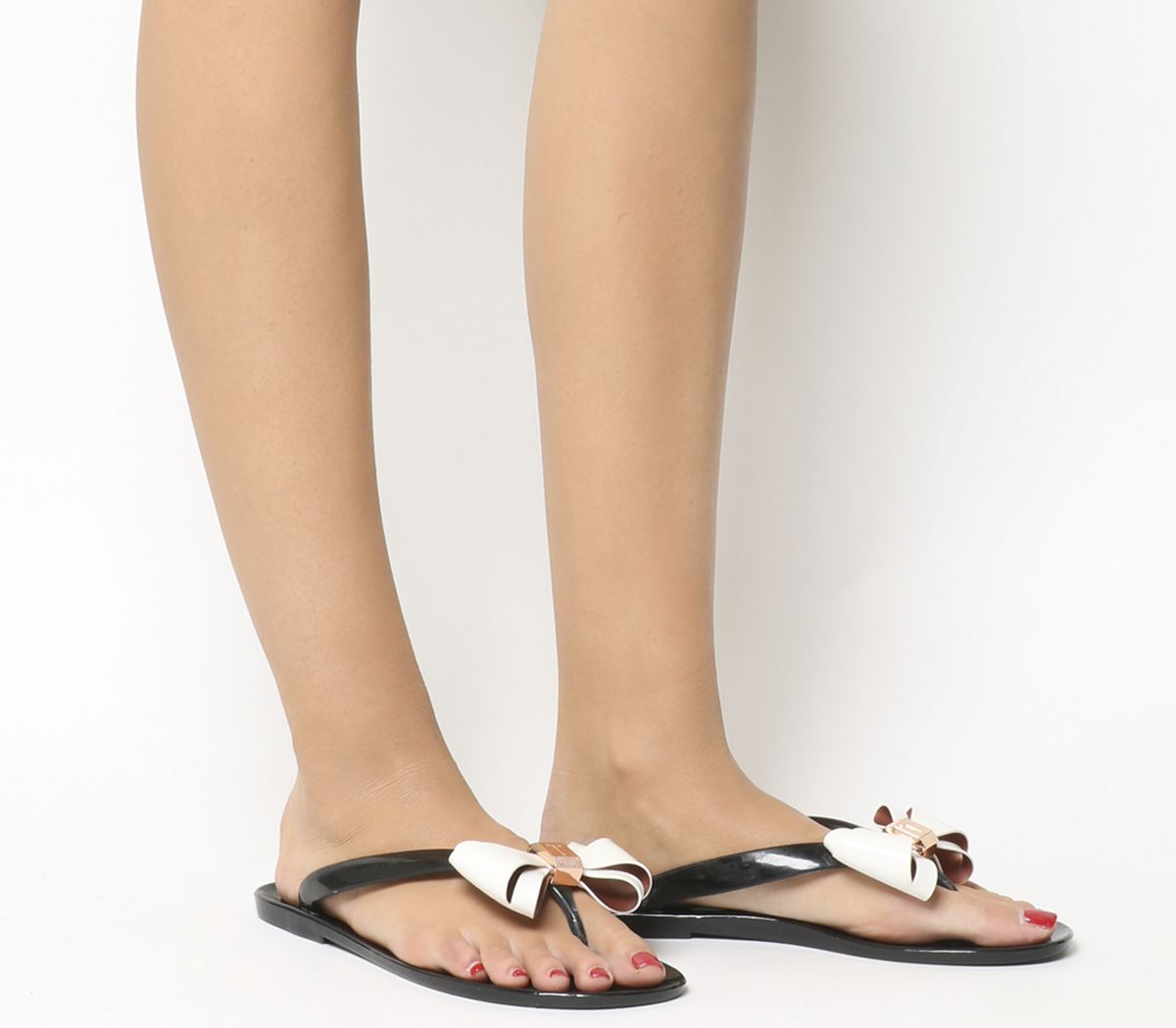 8a3899970 Ted Baker Rafeek Flip Flop Black Cream - Sandals