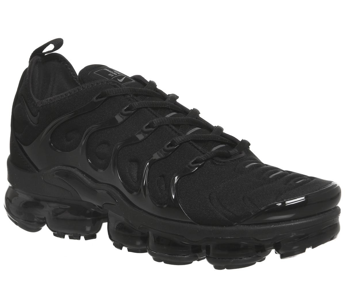 Aplicando oxígeno acoplador  Nike Air Vapormax Plus Black Black Dark Grey - Hers trainers