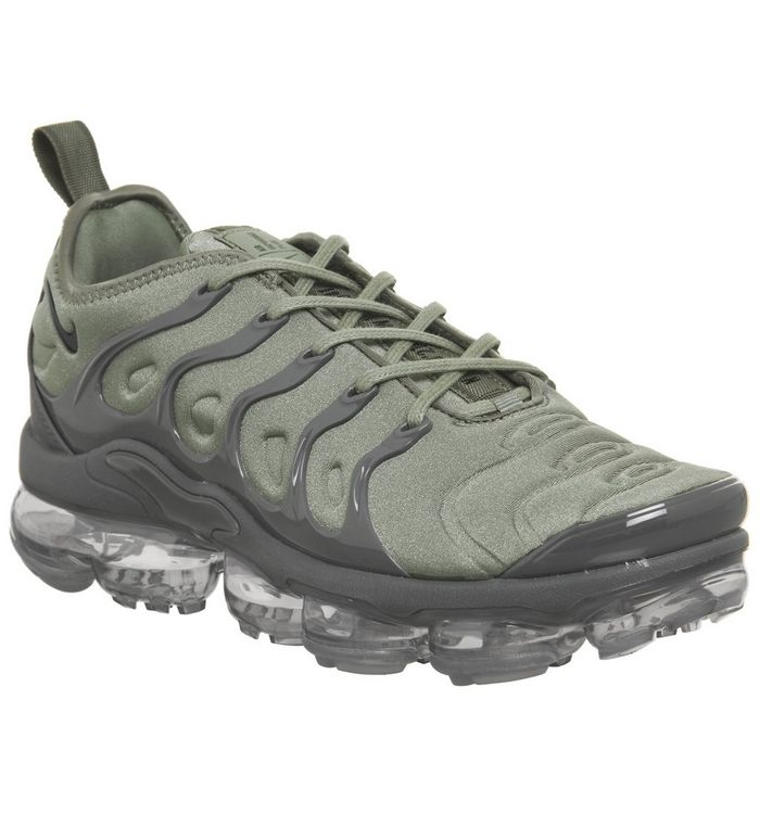 competitive price 17be6 ed831 Air Vapormax Plus Trainers