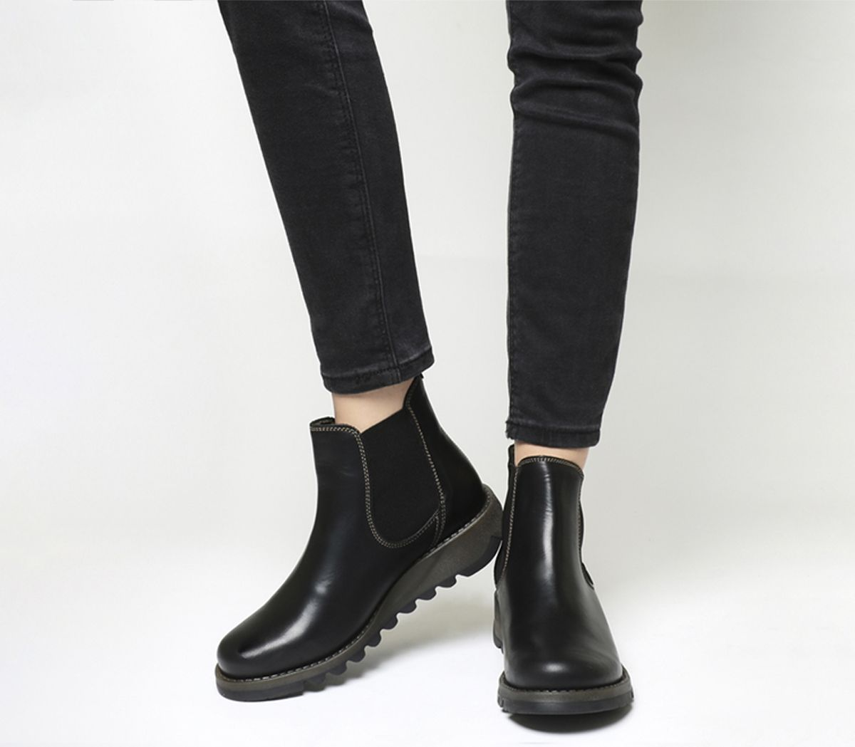de2a823d80ce3 Fly London Salv Chelsea Boots Black Rug - Ankle Boots
