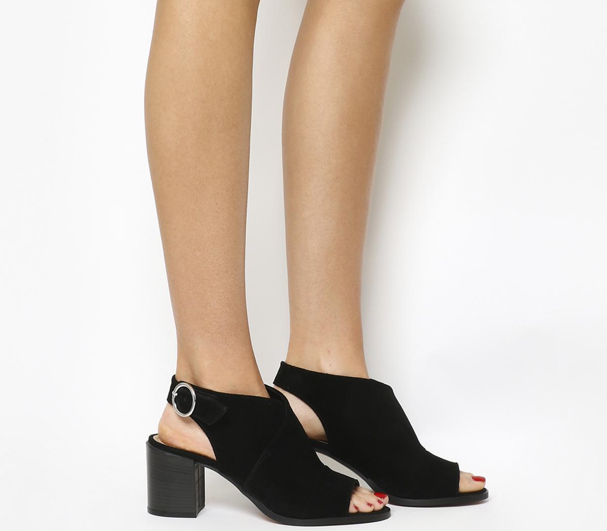 Mysterious Block Heel Shoe Boots