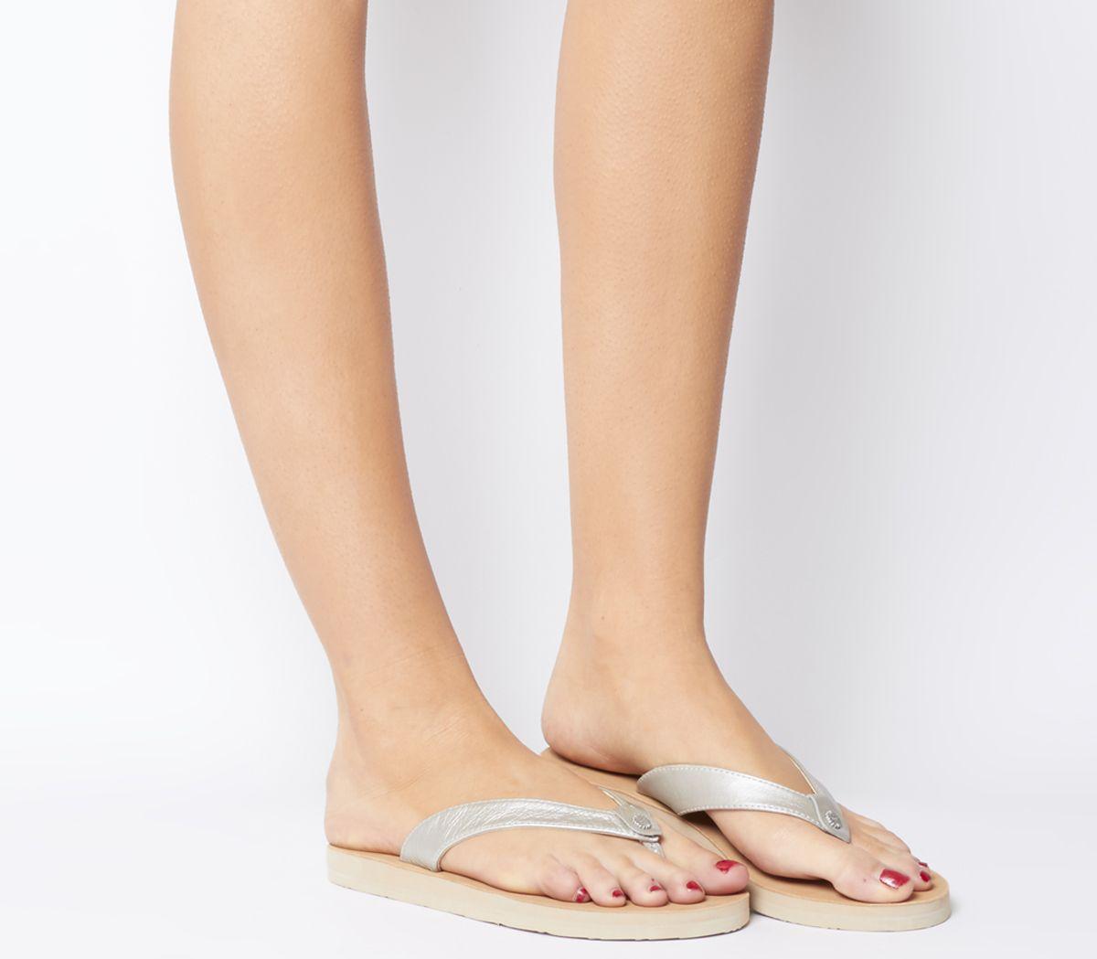 fe798cd5f23a UGG Tawney Flip Flops Silver - Sandals