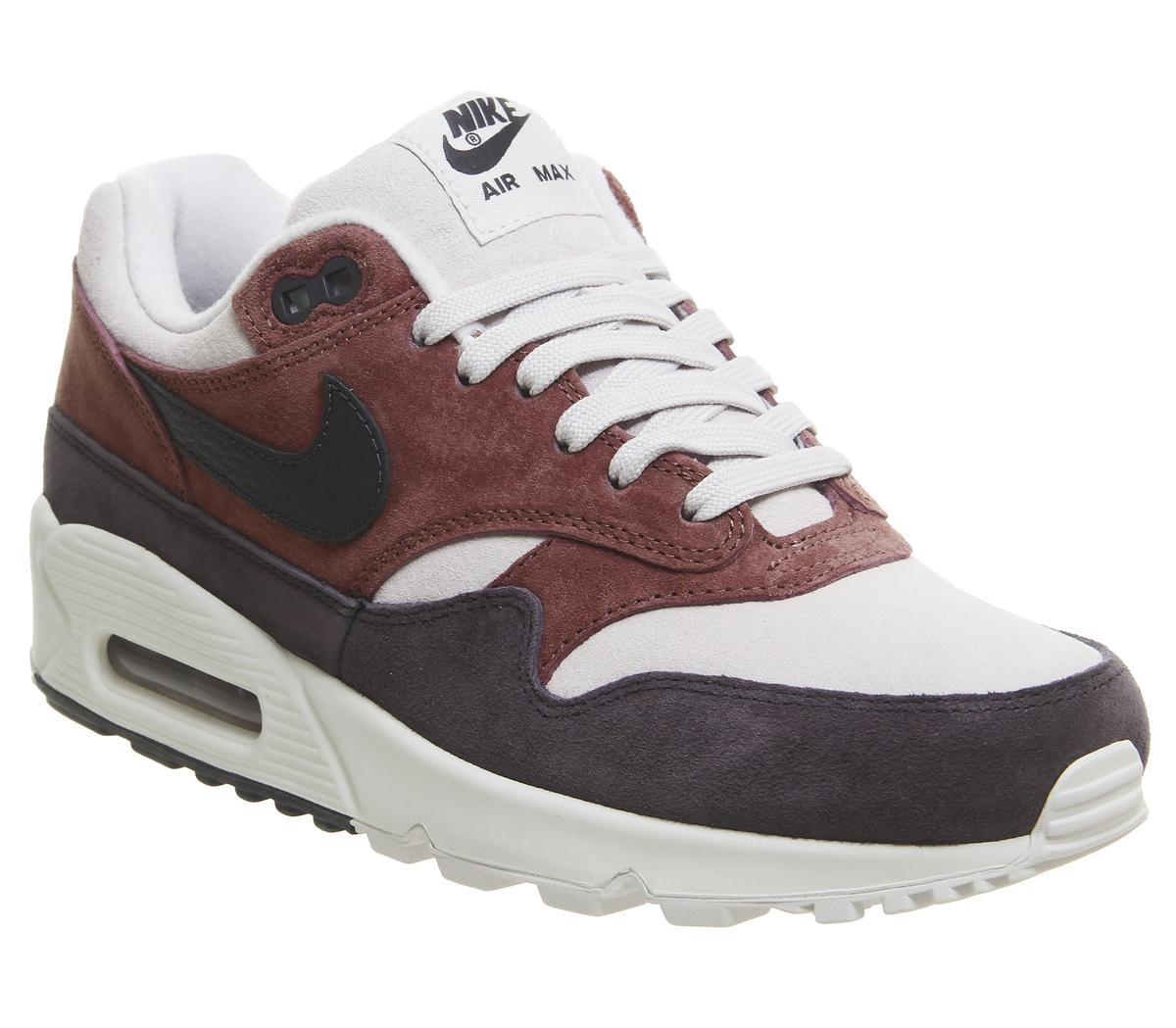 Air Max 901 Trainers