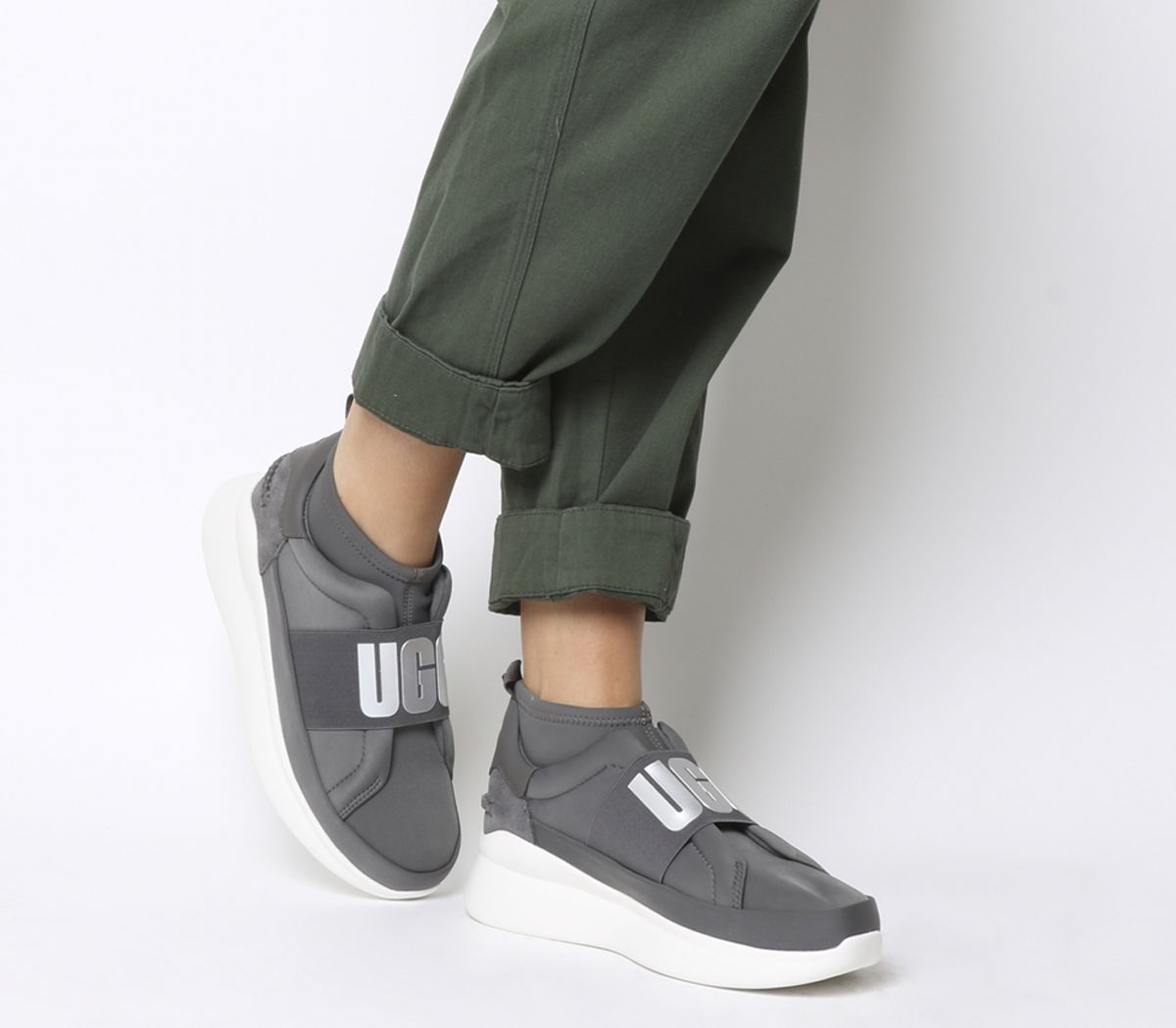 538bb522080 Neutra Sneakers