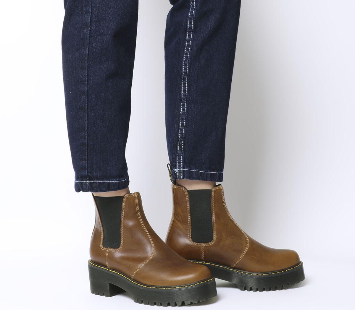 e65353ead18 Dr. Martens Rometty Chelsea Boots Butterscotch Orleans - Ankle Boots