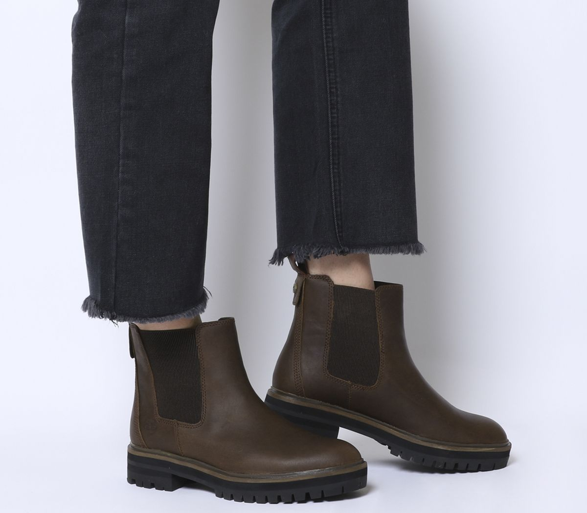sports shoes bbdc1 26cdb London Square Chelsea Boots