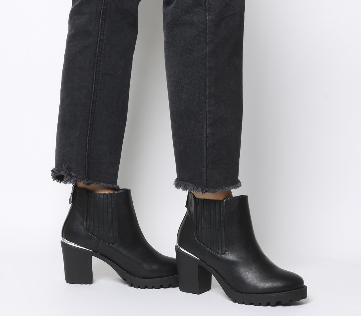 Agile Chunky Chelsea Boots