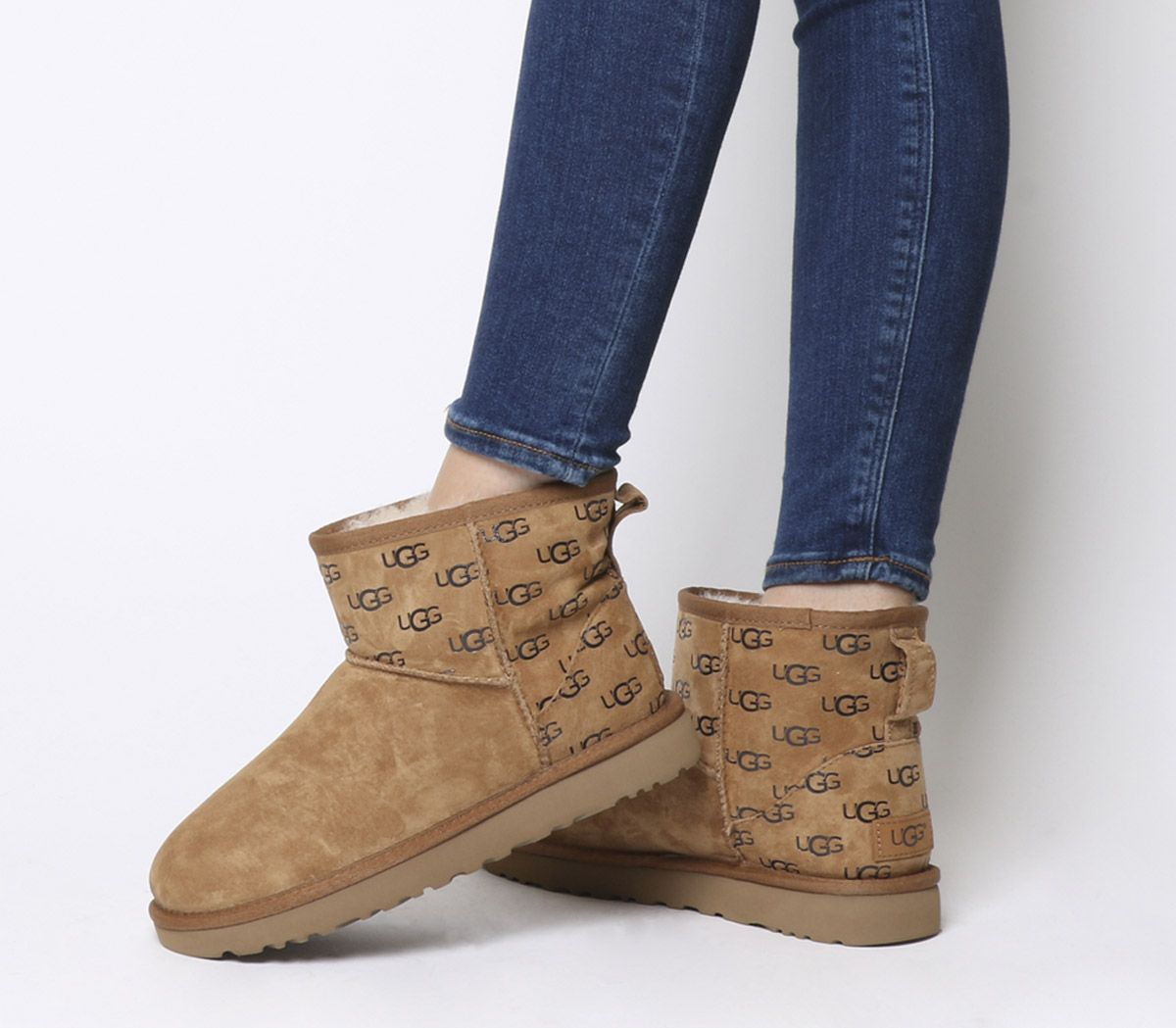 ad7f1c49d5f1 UGG Classic Mini II Logo Exclusive Boots Chestnut Logo - Ankle Boots