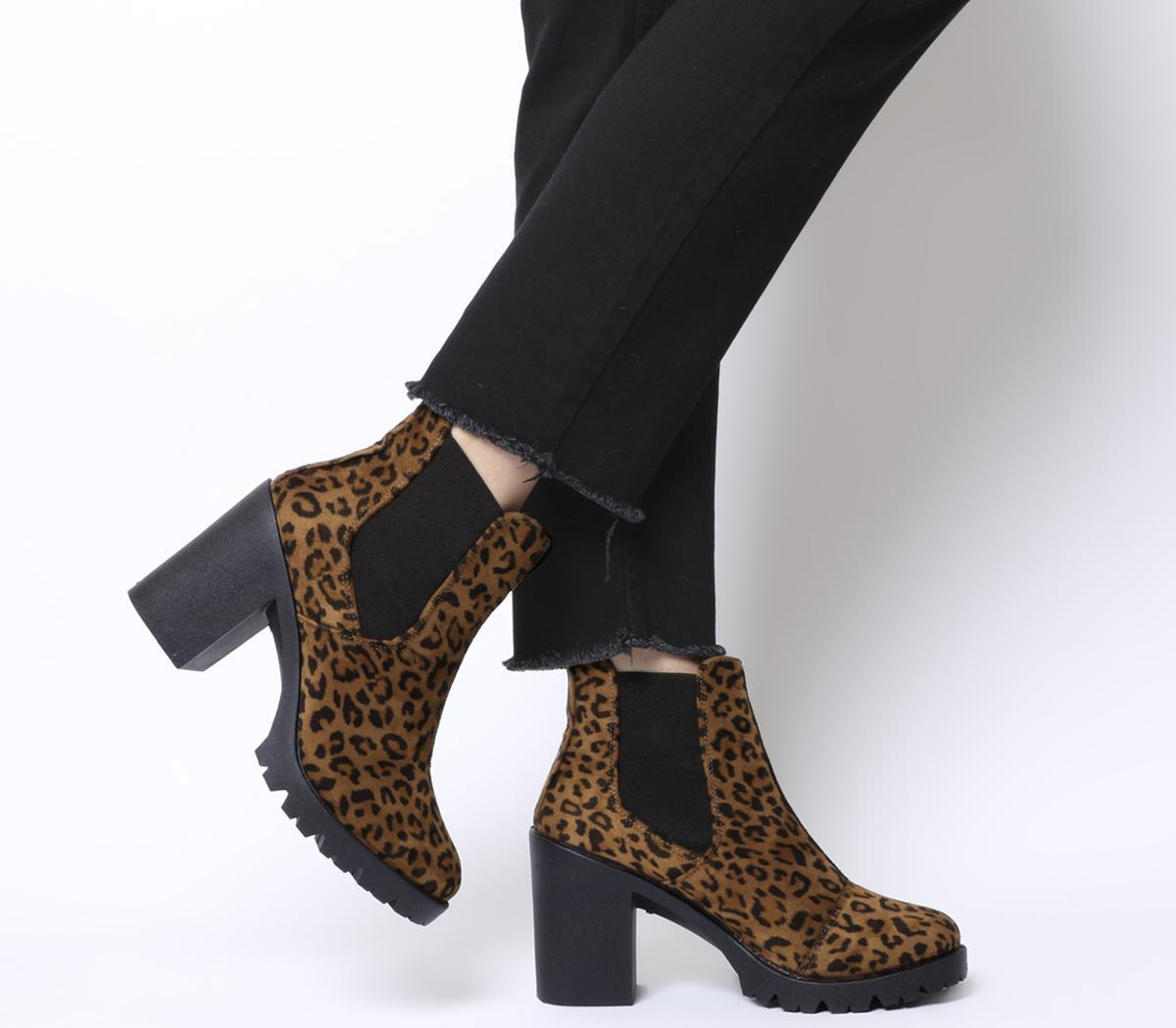 Ashlyn Chunky Heeled Chelsea Boots
