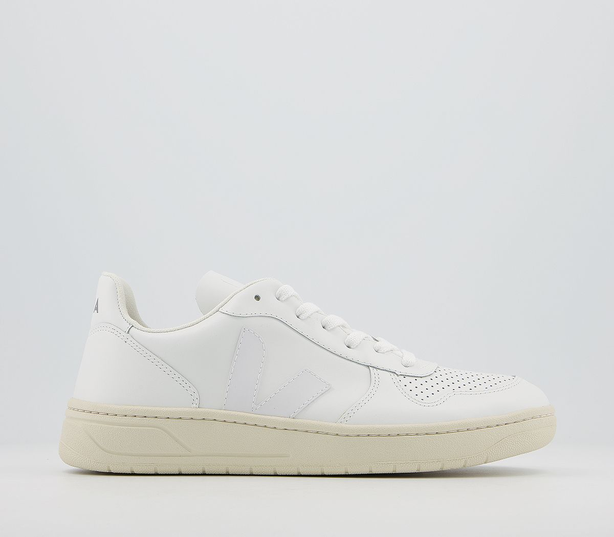 62bf20d62d0 V-10 Trainers