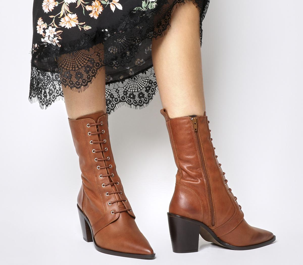Komissioner Lace Up Calf Boots