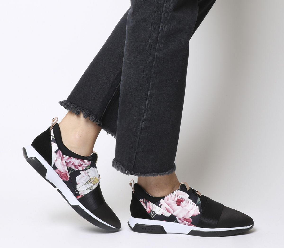 7612b9498 Ted Baker Cepap 2 Trainers Iguazu Black - Hers trainers