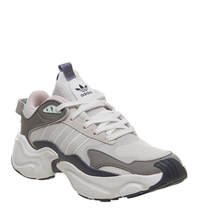 d40accd40e0 Sneakers & Sport Shoes Sale - Get Up to 60% off at OFFSPRING