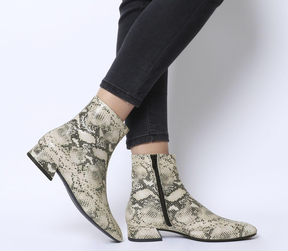 a85f99fefaf Vagabond Joyce Ankle Boots Sand Black - Ankle Boots