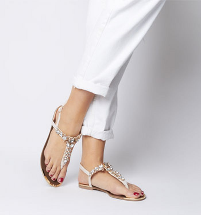 c03a285cd72648 05-04-2019 · Office Scarlet Embellished Toe Post Sandals