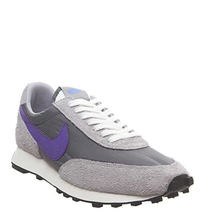 41a6ab2945a4 Nike Sneakers   OFFSPRING