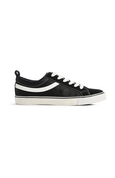 Schwarze Skaterschuhe