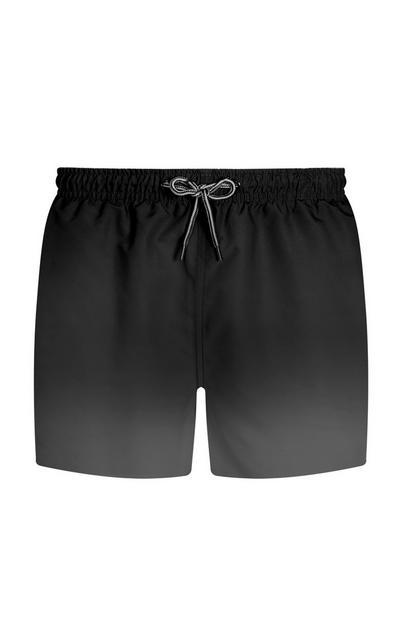 Schwarze Shorts im Dip-Dye-Look