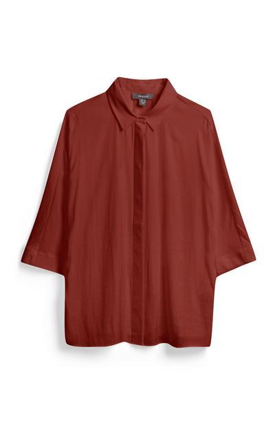 Rotbraunes Hemd mit weiten Ärmeln