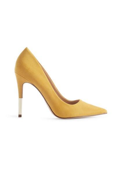 Gelbe Stilettos