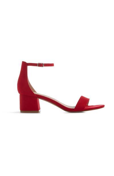 Rote Sandaletten mit Blockabsatz