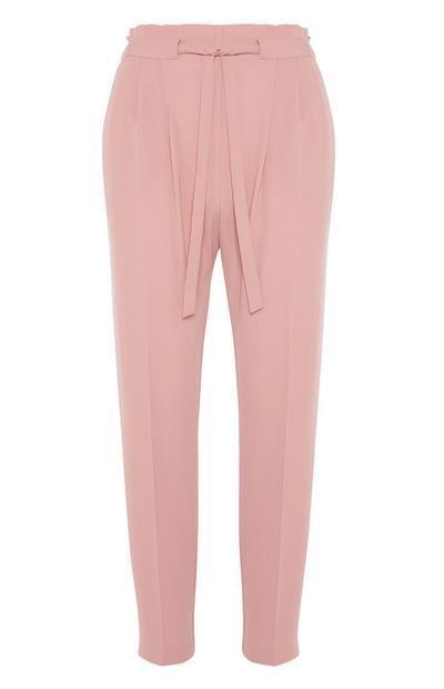 Rosafarbene Hose mit Gürtel