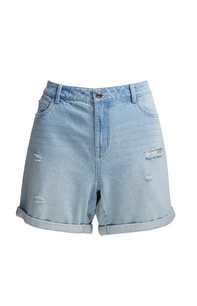 Jeansshorts im Boyfriend-Stil