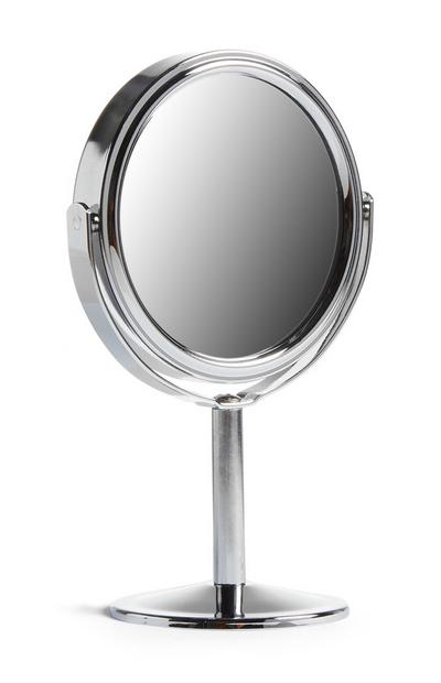 Kleiner, freistehender Spiegel